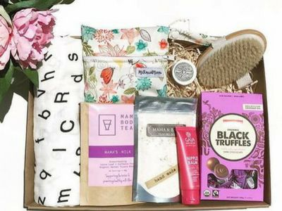 Ava & Lola Organics is all about a natural approach to your child's health, care and wellbeing. Breastfeeding box featured
