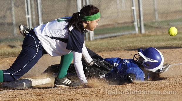 Softball season began Friday in the 5A SIC. Defending district champion Mountain View beat Timberline 6-1 in the first game of the 5A SIC season. Friday, March 8, 2013, at Timberline High School.