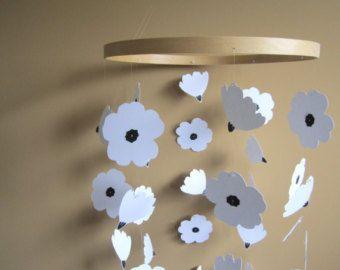 Margarita flor móvil  Daisy móvil de papel para guardería by emaliasfancy | Etsy
