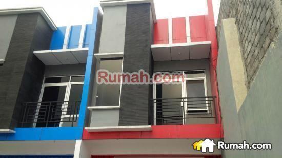 SPESIFIKASI : - Luas tanah : 125 m2 - Luas bangunan : 150 m2 - Tempat Parkir : 7 m - Lantai : 2 - Listrik : 2.200 Watt - Legalitas : SHM  HARGA : Rp. 2,65 M   Yasmin PropertyToday : 0877 1722 1999 >>>>>>>>>>> : 0812 2999 7736   PropertyToday Inc. Berpengalaman 14 tahun melayani pasar jual beli properti di Indonesia. Layanan opsional: - Konsultan Marketing Properti - Konsultan Developer - Konsultan Arsitek - Kontraktor Bangunan  - Jasa Penjualan Properti