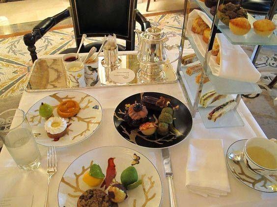 It's time for tea let's gossip at @LeMeurice hôtel Restaurant Le Dalì #Yummy #Delicious #Tuileries