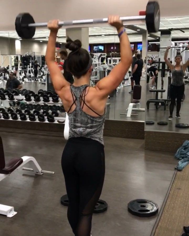 """9,306 Likes, 1,093 Comments - Sarah Bowmar, MBA, CPT (@sarah_bowmar) on Instagram: """"5 Rounds: 10 shoulder press 10 plate lateral raises 10 plate front raises MINIMAL rest guys. This…"""""""