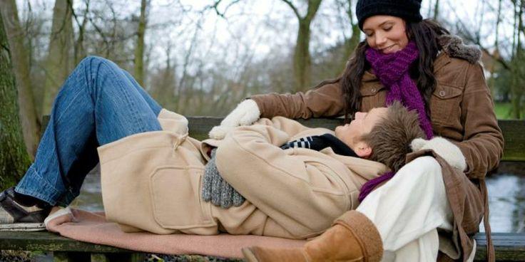 ROMANTIKK: Hold liv i romantikken og kos og kyss minst fire ganger om dagen.=