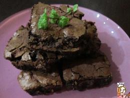 Brownies de menta com pistachios  http://receitasfaceisrapidasesaborosas.blogs.sapo.pt/76923.html