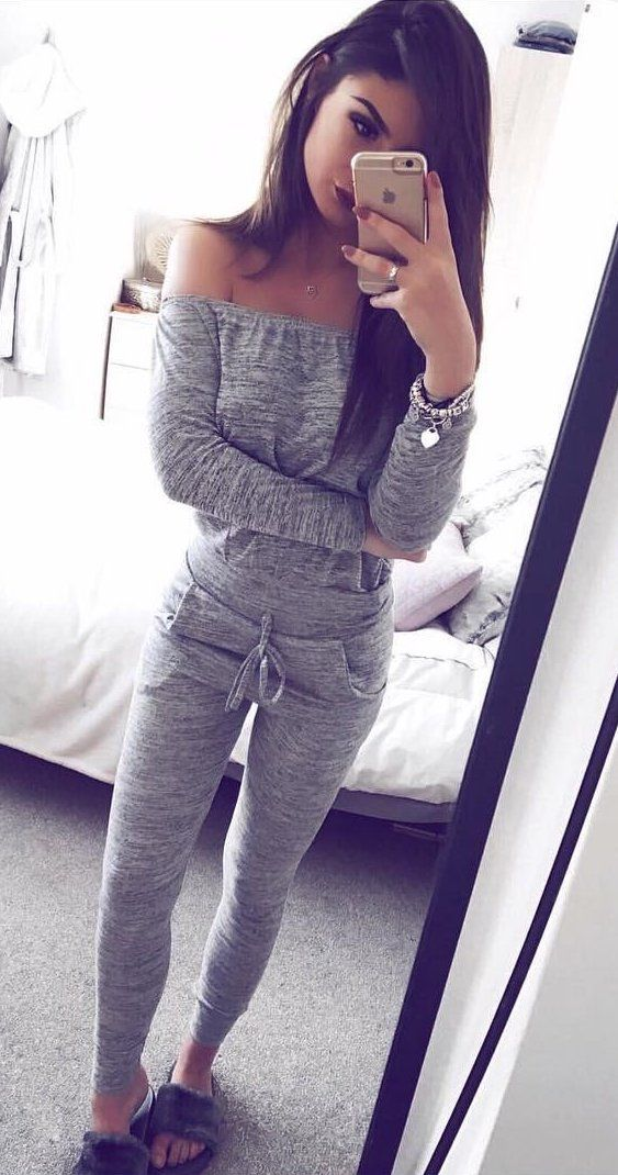 brilliant outfits with grey workout leggings