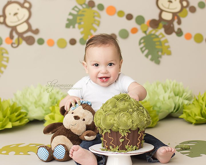 Babies - Shy Expressions Jungle cake smash