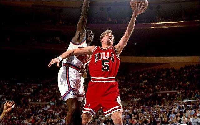 El hombre que le regaló a Michael Jordan su tercer anillo