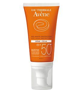 La crema #Avène SPF 50+ aporta una alta protección para pieles sensibles y secas. Sus activos tienen efectos calmantes y antioxidantes. Es resistente al agua y te protege e hidrata de forma transparente.