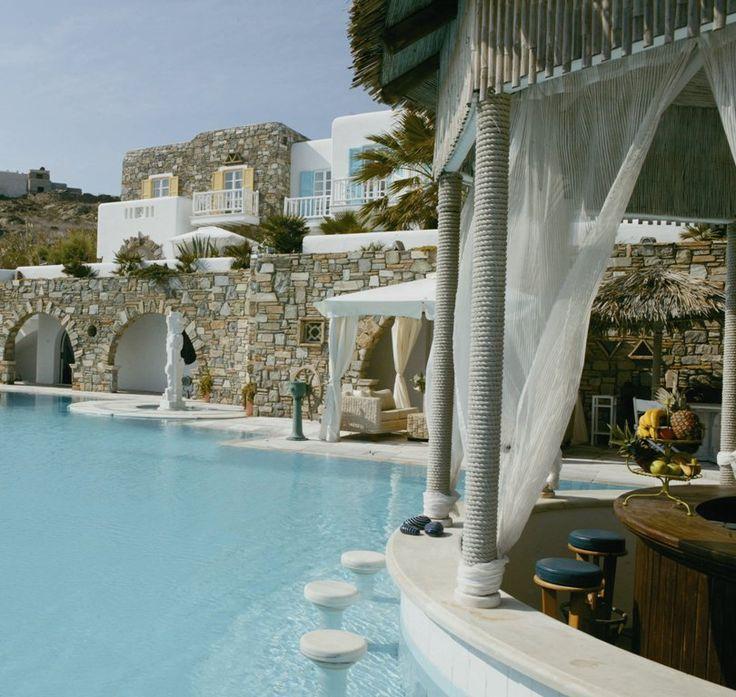 Kivotos luxury hotel, the swimming pool