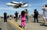 Space shuttle Endeavour - Framework - Photos and Video - Visual Storytelling from the Los Angeles Times