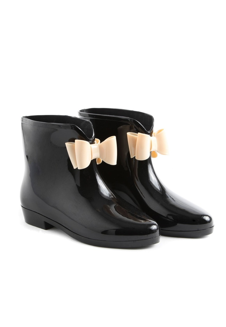 Dahlia Bow Wellies With Nude Bow  LOVE THEM!!! So much less bulky then rain boots, and way cuter!