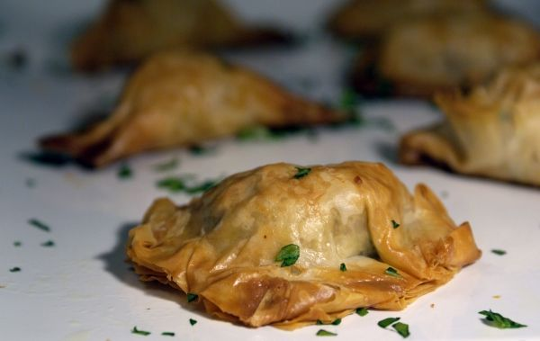 Fig and Prosciutto Phyllo Bites - easy and delicious appetizer. Perfect for Christmas parties!