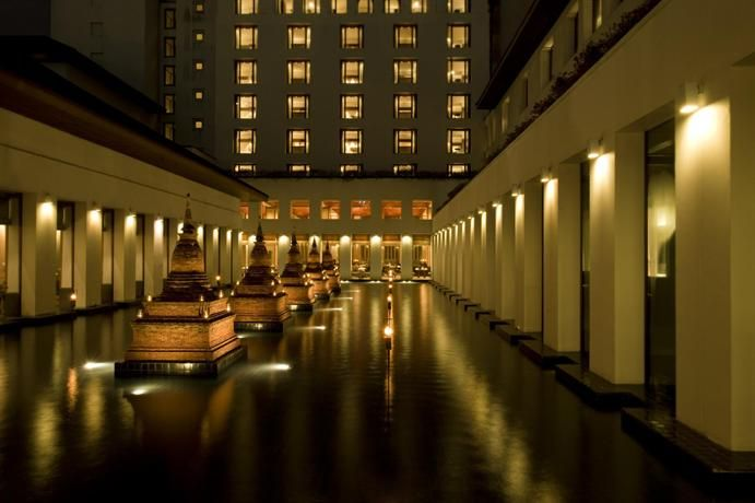 OopsnewsHotels - The Sukhothai Bangkok. Boasting free Wi-Fi, outdoor tennis courts and a rooftop terrace, The Sukhothai Bangkok is situated in Bangkok and provides stylish accommodation. It offers 5-star accommodation with air-conditioned rooms.