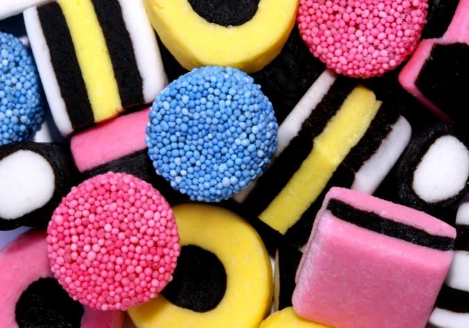 Google Image Result for http://www.whatsonyourwall.com/abstract-art-5/abstract-sorts-candy-sweets-colour-baby-9352-9898_medium.jpg