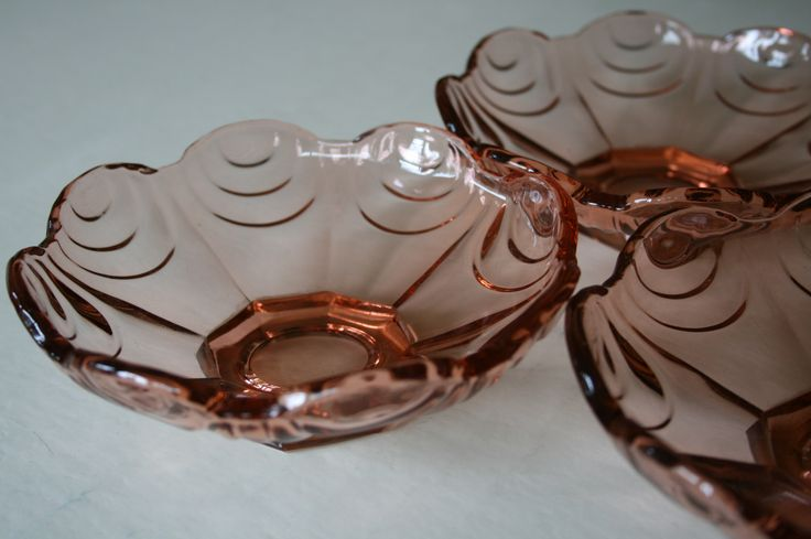 Bowl in pink