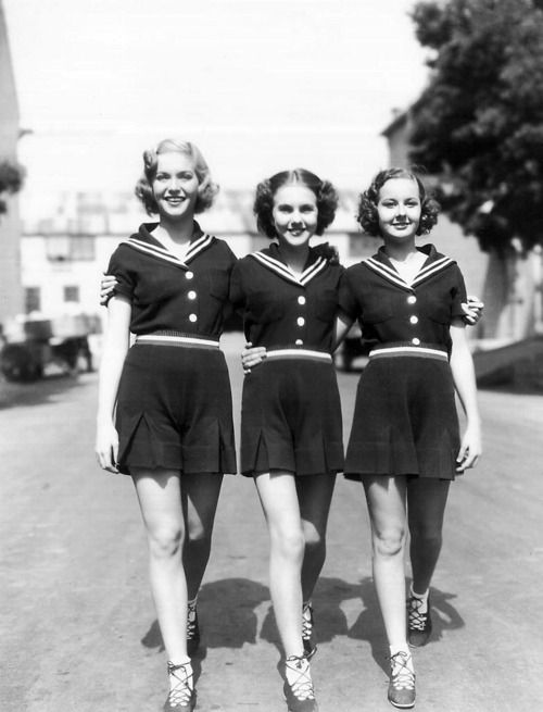 vintage sailor playsuits (& Deanna Durbin!) 40s fashion style photo print ad nautical short shirt play suit war era WWII pin up