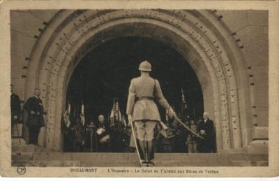 Editions Artistiques OR Ch Brunel Postcard - Douaumont, L'Ossuaire, Le Salut de l'Armee aux Héros de Verdun