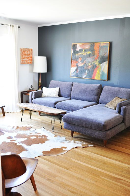 : Wall Colors, Living Rooms, Wall Colour, Blue Couch, Rooms Inspiration, Blue Sofas, Sofas Ideas, Big Art, Interiors Ideas