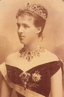 * Maria Amélia de Orleans, Rainha de Portugal* (Twickenham, Inglaterra, 28/Setembro/1865 - Le Chesnay, França, 25/Outubro/1951).