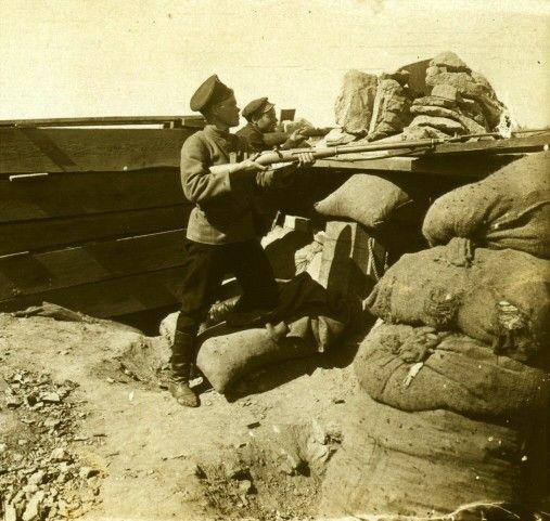 Героиня Порт-Артура - единственная женщина-солдат Харитина Евстафьевна Короткевич. Погибла здесь же 16 октября 1904 года.