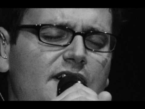Nummer 10 in de uitvaartmuziek top 50 is Guus Meeuwis met De Weg. Kijk voor meer muziek-inspiratie op http://muziek.dela.nl #uitvaart #afscheid