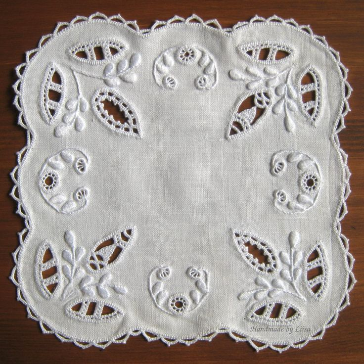 I practiced different Hedebo techniques on this small doily which measuresabout 15×15 cm. For material I cut a piece of the fine old sheet that I used for the whitework tea cosy. I didn&#8217…