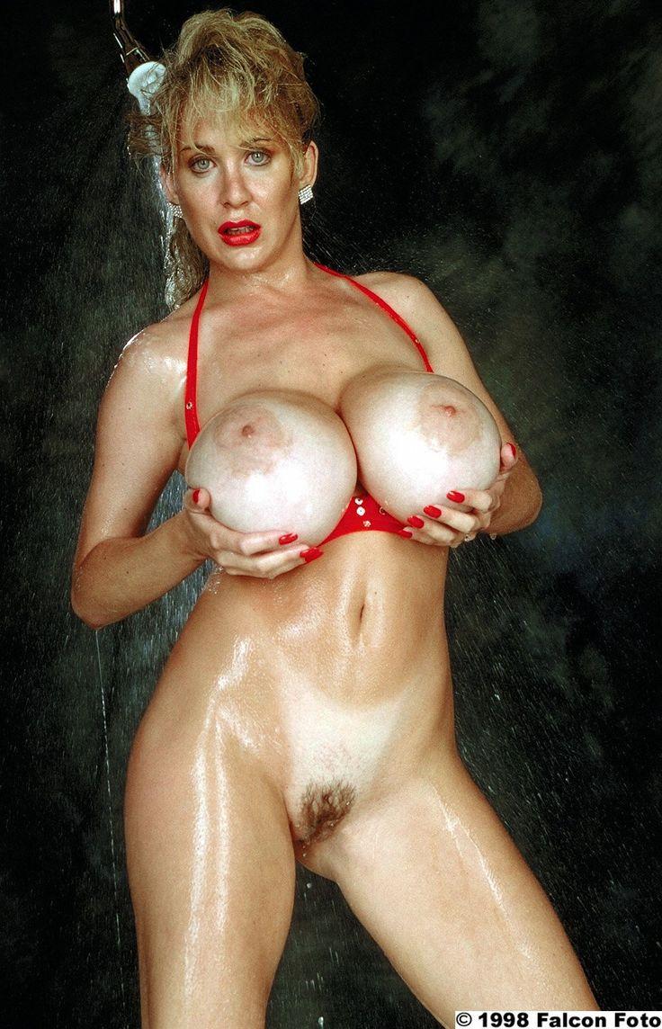 Sarah palin naked in shower