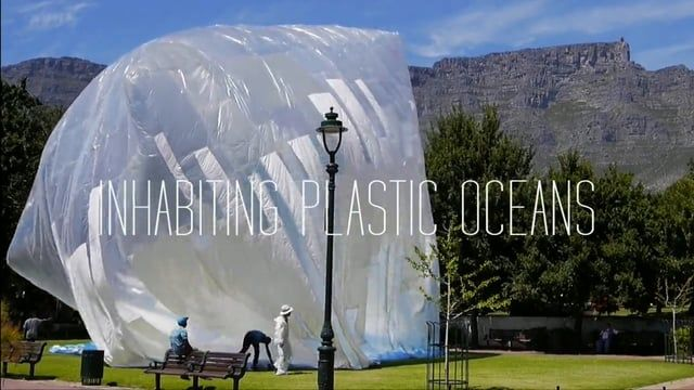 Inhabiting Plastic Oceans is an art installation designed and built by Basurama for the World Design Capital in Company Gardens, Cape Town during the month of November 2014.  For the piece 240 kilos of plastic over 5.000 m of duct tape have been used together with 3 industrial fans to blow it up.    basurama.org/en/projects/inhabit-plastic-oceans-in-lo3-we-trash-cape-town/    Edited by Jezabel Mejías.    //    Inhabiting a Plastic Ocean es una instalación llevada a cabo por Basurama para la…