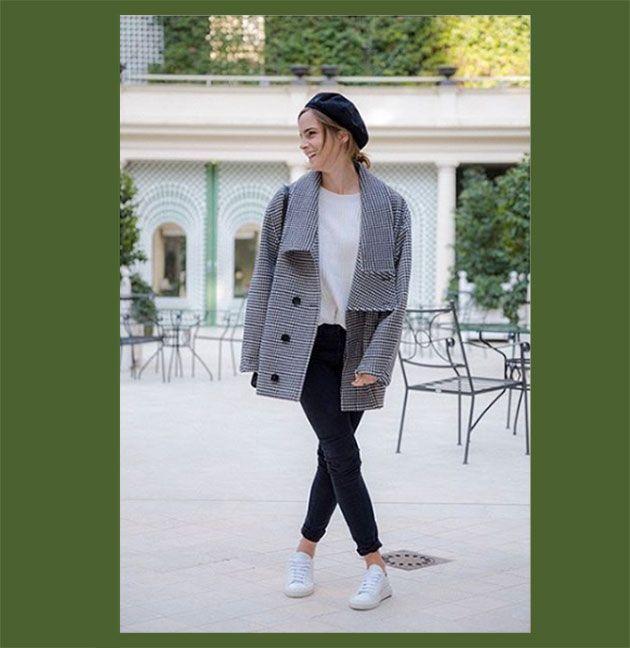 O primeiro look postado por Emma - o casaco é Stella McCartney, marca de luxo que não usa peles, couros e plumas e aposta em tecidos reciclados e tecnologias nas coleções. O macacão é da Filippa K, marca comprometida com os 4 R's: reciclar, reduzir, reparar e reusar. Camiseta da Boody, uma marca de básicos que usa fibra de bambu orgânica em impressoras 3D, ou seja, sem resíduos. A boina é da Maison Michel, feita de algodão orgânico, e os sapatos vegan são da Good Guys Don't Wear Leather!