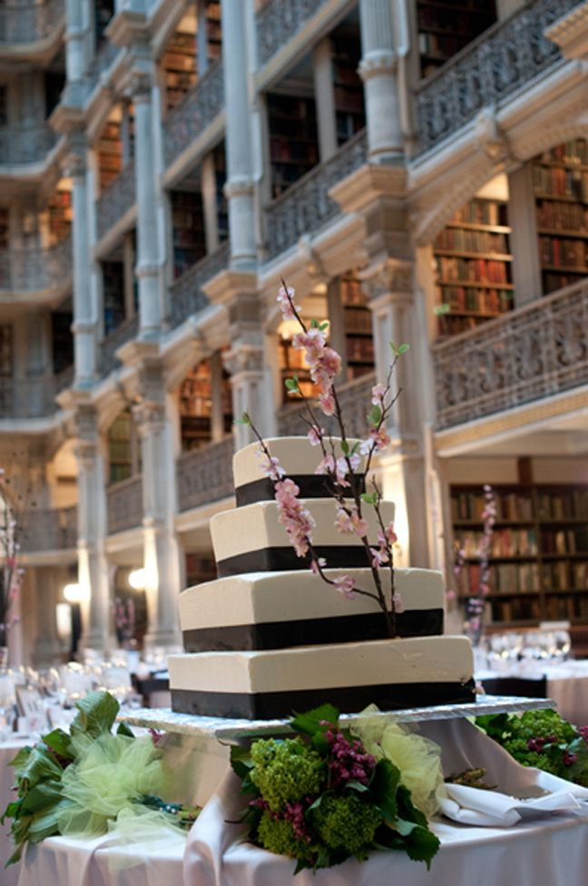 wedding cake at George Peabody Library in Baltimore, MD