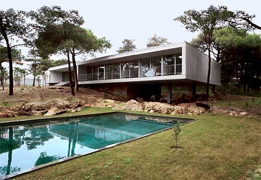 Casa em Cascais -  Eduardo Souto de Moura -  Portugal