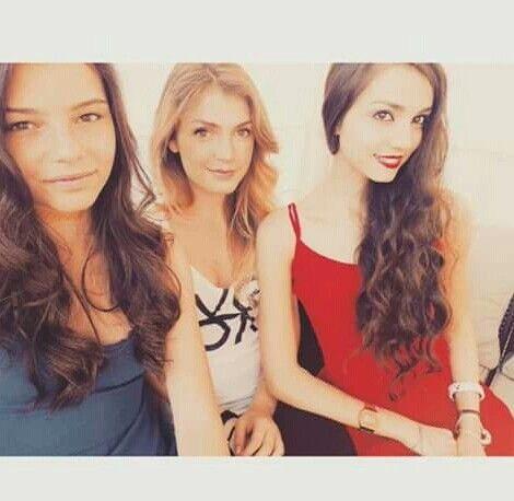 Nicole, Rebecca e linda