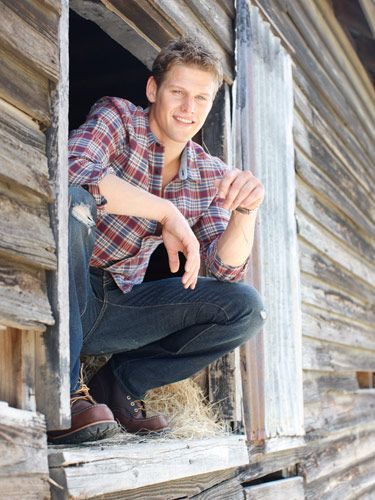Zach Roerig (Matt Donovan) of Vampire Diaries....yet ANOTHER reason to watch the show :-D