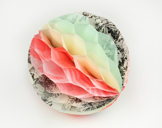 Recycled Honeycomb Tissue Paper Pouf