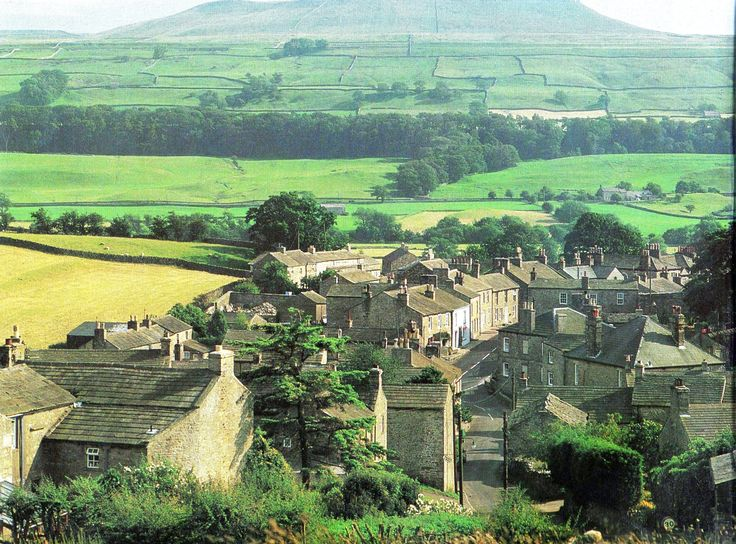 Askrigg - Wensleydale - North Yorkshire - England - - The village was used by the BBC for filming the popular television series ' All Creatures Great and Small'