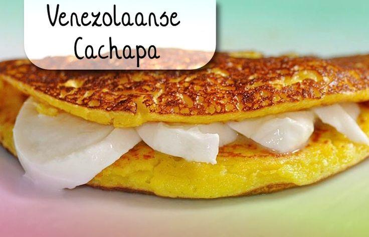 De cachapa is nog zo'n lekkernij die we van buurland Venezuela 'geleend' hebben. Deze pannenkoekjes worden gemaakt met verse maïs en maïsmeel. Ze hebben daardoor heel veel smaak e…