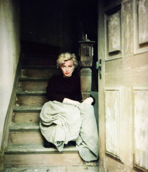 i've never seen this picture of marilyn monroe before. almost looks like this is from the set of an alfred hitchcock movie that never was.Photos, Marilyn Monroe, Stairs, Marilynmonroe, Norma Jeans, Marylin Monroe, Beautiful People, Milton Greene, Photography
