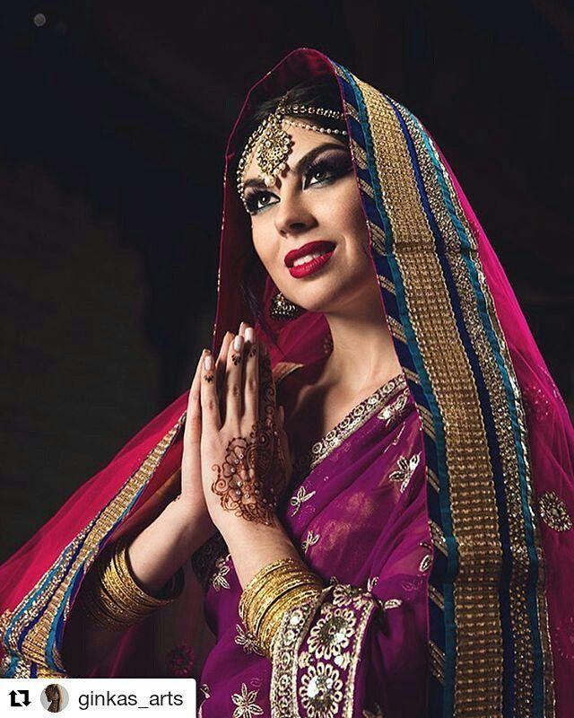 """#follow@hennafamily #hennafamily #Repost @ginkas_arts  Восточная Дева Мария в исполнении @natelamua  Девочки совместно с центром """"Белые Облака"""" мы открываем услугу восточных фотосессий! Макияж укладка мехенди коллекция нарядов #ginkas_sari и украшения - все это для вас чтобы увековечить в памяти своё настроение и красоту!) Цена фотосессии от 8.000 в зависимости от количества выбранных вами услуг. Так же вы можете подарить фотосессию мечты своей маме или подруге! Если она смотрит Индийское…"""