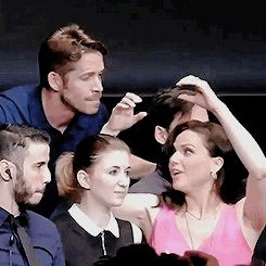 I can't stop watching this GIF. #OutlawQueen