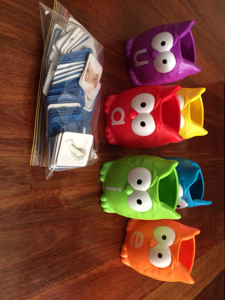 Vowel owls with 106 cards