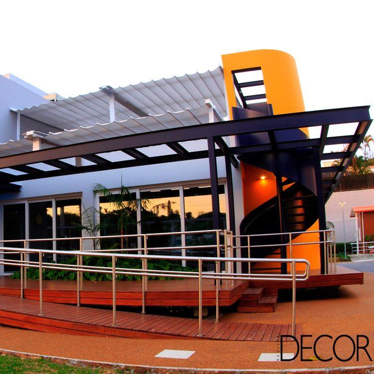 Localizada em São Paulo, CasaE é a primeira casa ecoeficiente no Brasil e  apresenta soluções inovadoras e sustentáveis desenvolvidas pela empresa química alemã BASF.