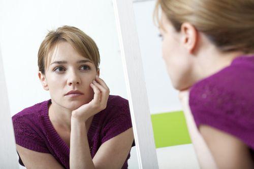 今すぐ始める顔痩せトレーニング方法を伝授!二重あご・丸顔は1週間で小顔に♡|MERY [メリー]