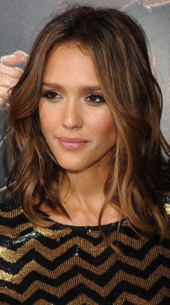 """The Insider's Secrets To The Perfect 'Lob' Hairstyle - Crushing on Jessica Alba's """"Lob"""", the long bob perfected. by helena"""