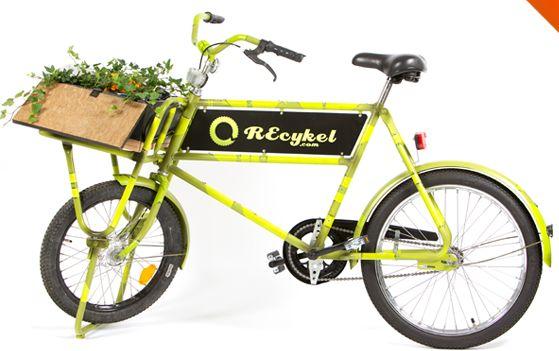 Kunstværker på to hjul. Se mere på http://norubbish.dk/2012/05/recykel/