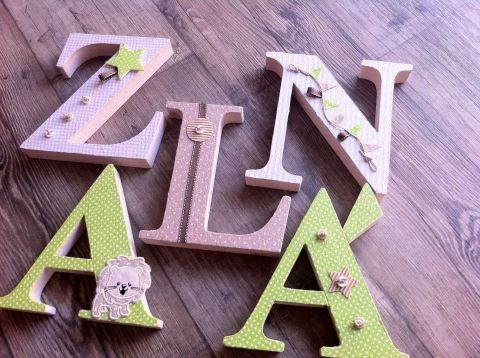 ZALÁN egyedileg díszített polisztirol habbetűk igény szerinti színvilággal és egyéni/egyedi stílusban rendelhetők.  A betűk 19cm magasak és a 3cm szélesek. #### name, letters handmade, baby, gift ,név, betűk, kézzel készült, bébi, ajándék...