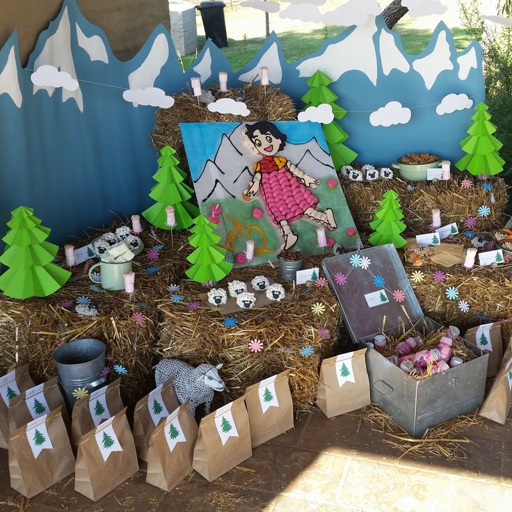 Heidi Party: Mountain backdrop, Cloud and Flower garland and Paper trees