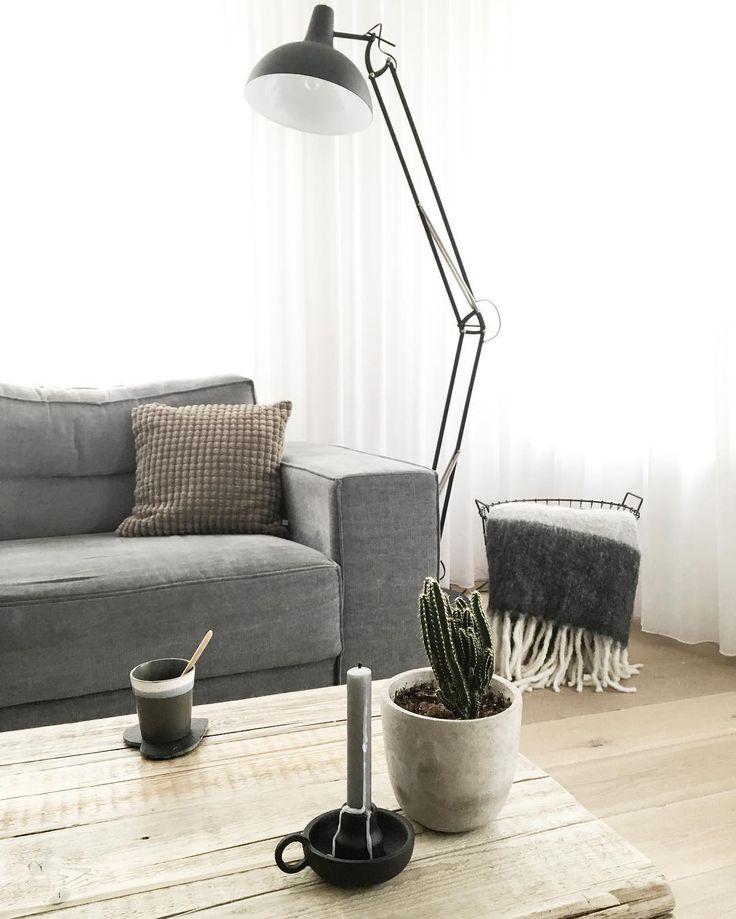 #kwantuminhuis Vloerlamp LARS > https://www.kwantum.nl/verlichting/vloerlampen/verlichting-vloerlampen-vloerlamp-lars-zwart-1591180 @huisje_boompje_beestje
