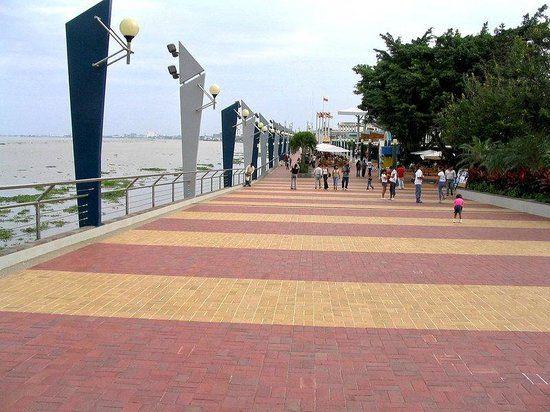 Barranquilla - Malecon Leon Caridi