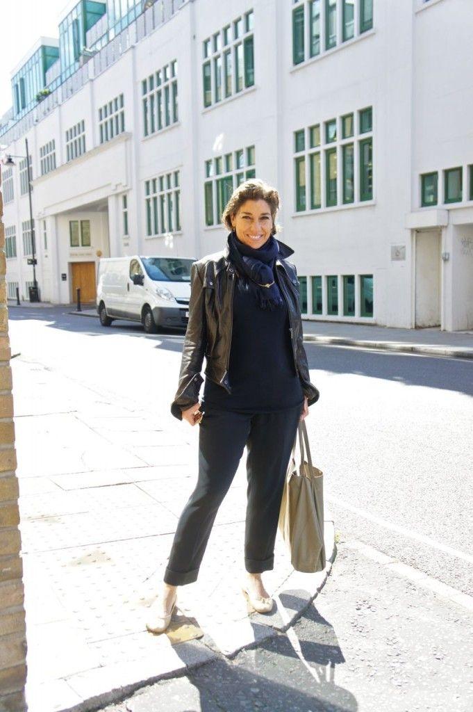 Fomos ao Bermondsey Market, outro post que há de vir, e o look para o ventozinho frio foi este. Suéter marinho BP Studio, pashmina marinho, casaco de couro Topshop, bolsa Céline, calça marinho Prada, sapatilha preta Repetto.