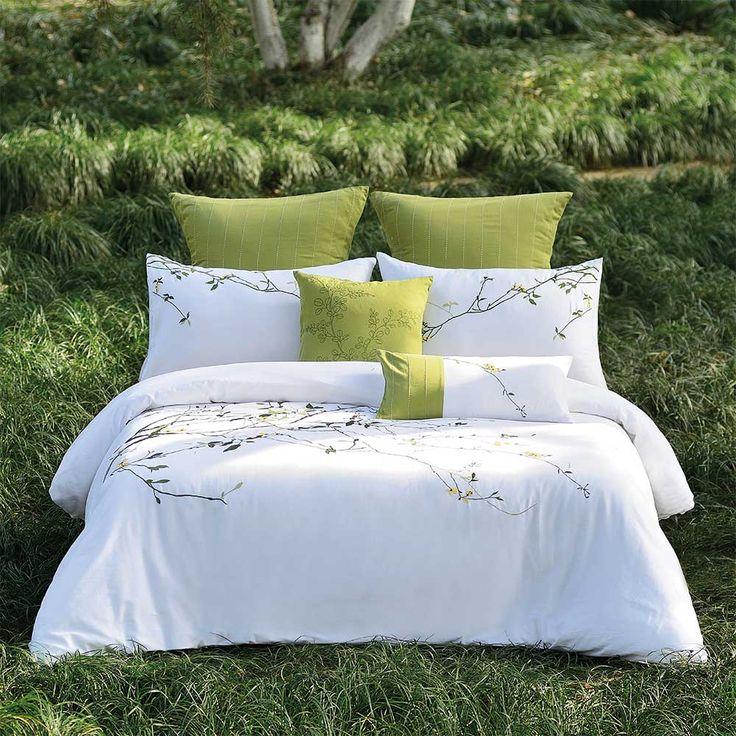 les 25 meilleures id es de la cat gorie ensembles de literie sur pinterest ensembles de. Black Bedroom Furniture Sets. Home Design Ideas